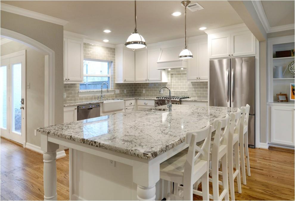 Alaska White Granite with Off White Cabinets Make Your Elegant Kitchen with Alaska White Granite