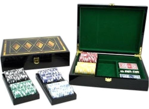 poker set with 300 clay composite chips and wood box traditional board games and card games