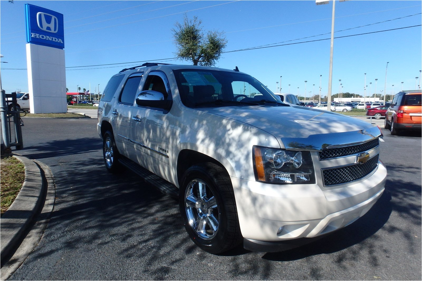 Diamond Brite Tahoe Blue Used 2013 Chevrolet Tahoe Ltz In orlando Fl Vin