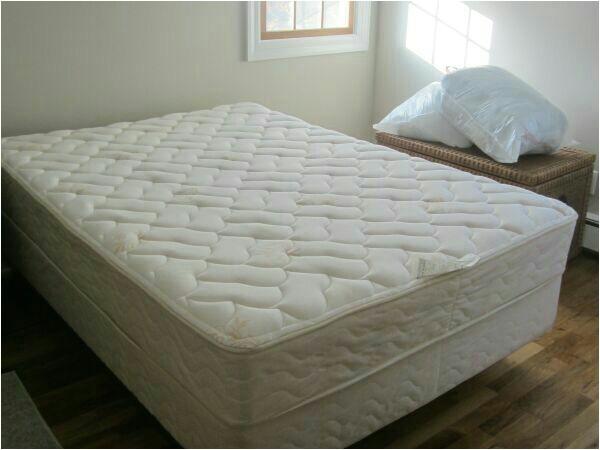 full size mattress and boxspring 2aed5673 de3c 4233 b96e 4ee0a17da017