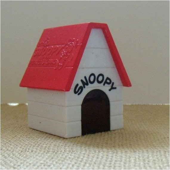 snoopys dog house