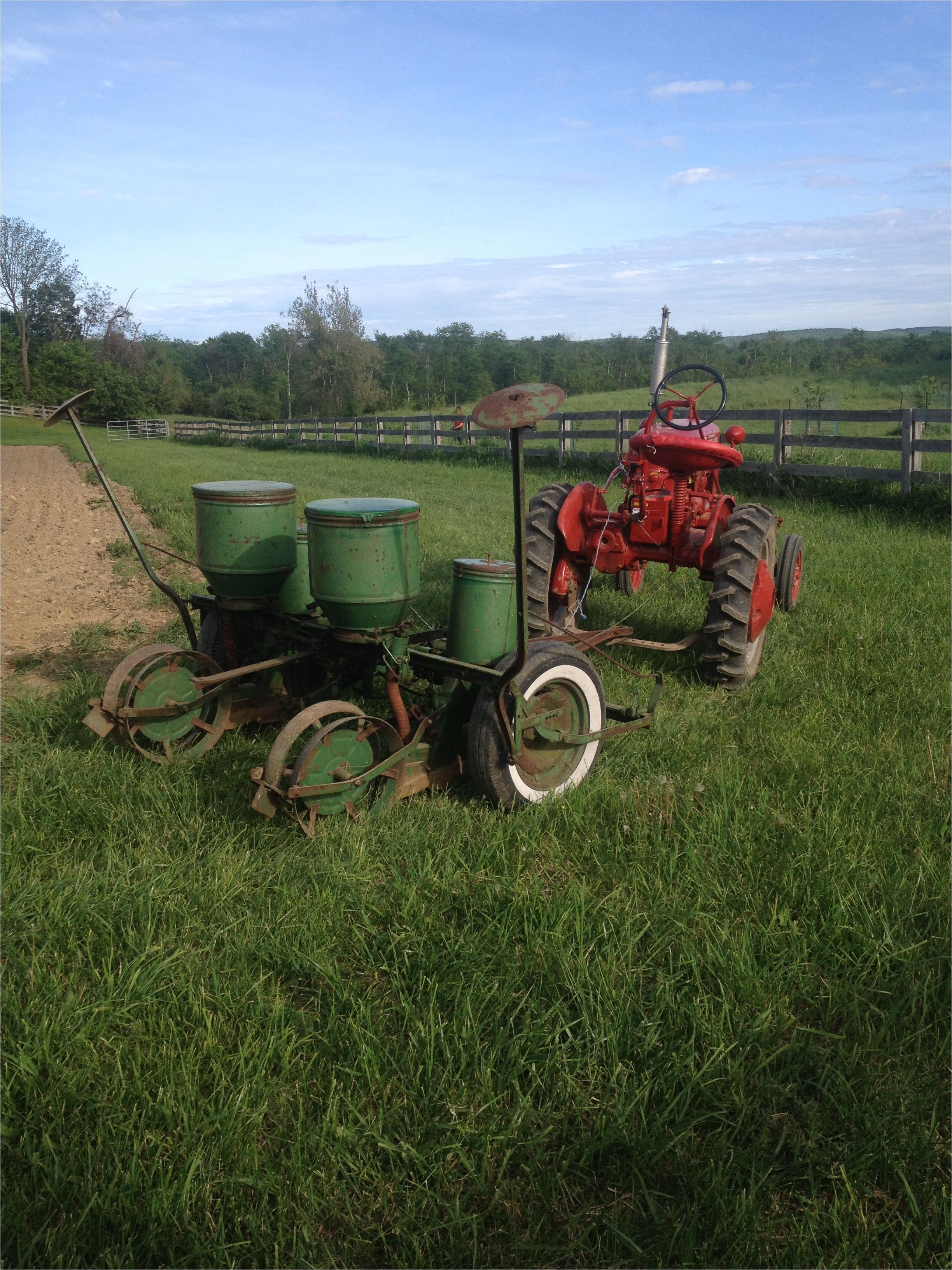 Tractorshed Com for Sale Jd 290 Planter and 1953 Farmall Cub Old Iron Pinterest