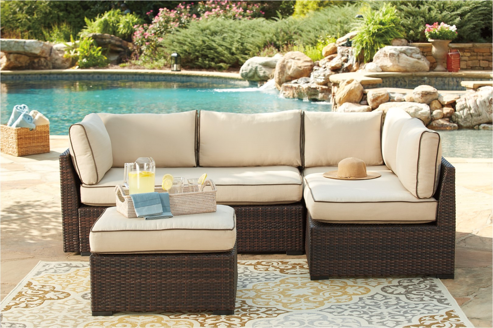 12747 outdoor furniture types of materials