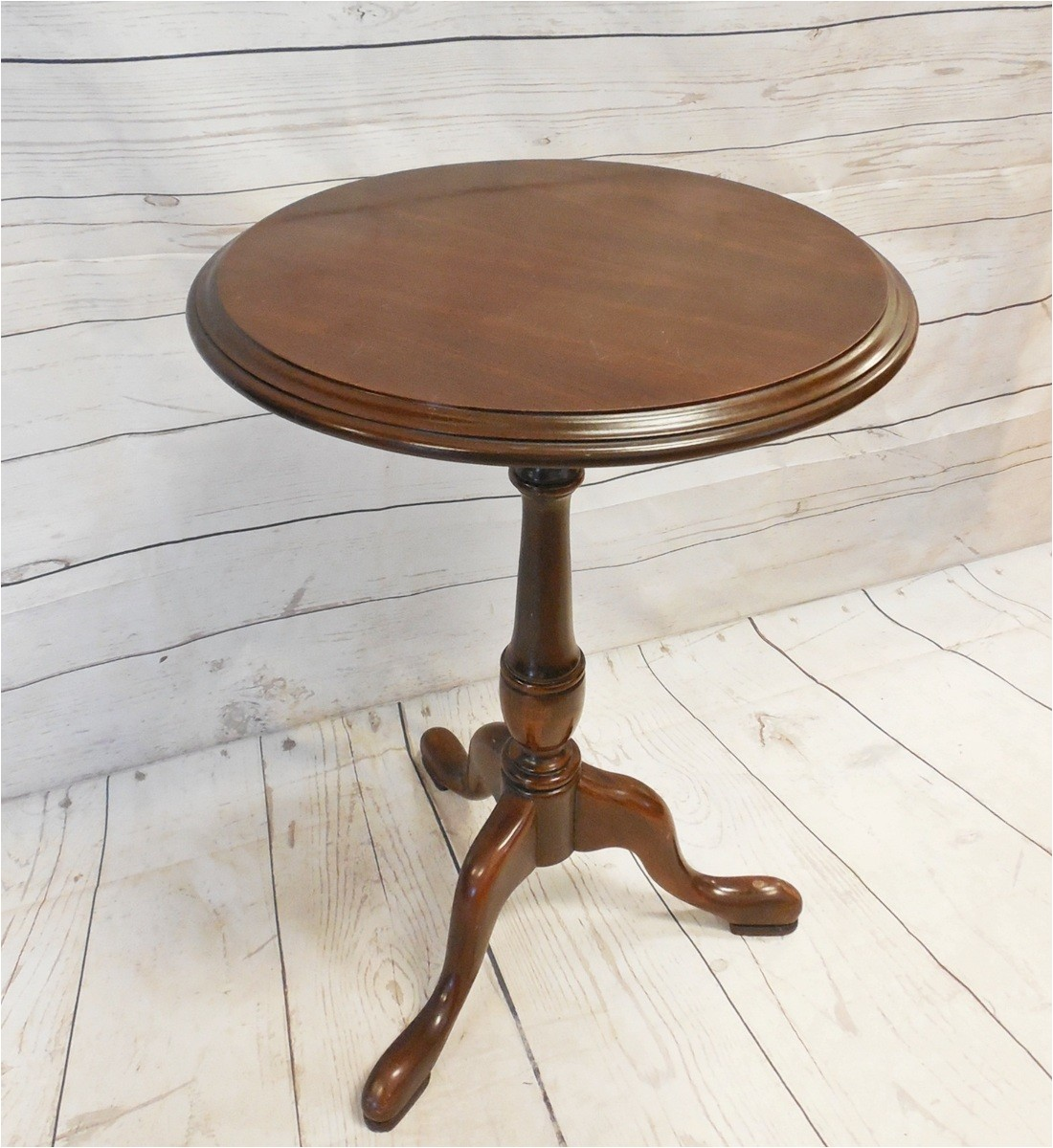 Vintage Ethan Allen Side Table Vintage Queen Anne Style Ethan Allen Cherry Round Pedestal