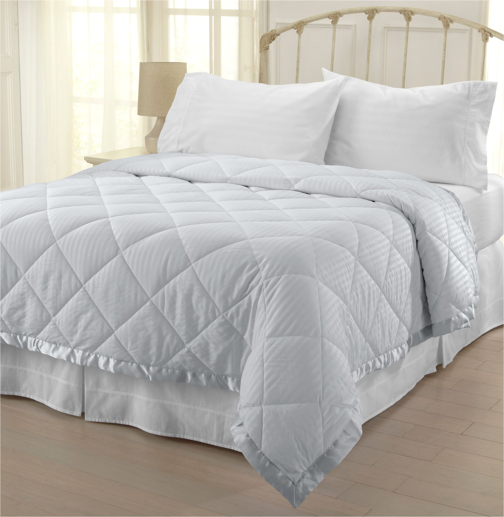 Difference Between Down and Down Alternative Comforter We Understand People with Allergies are Often Uncomfortable that S