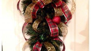 Decoracion Navideña Para Puertas Y Ventanas Con Reciclaje Navidad Decoracia N Navidad Pinterest Navidad Arreglos