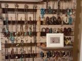 Diy Wood Pallet Picture Display Diy Jewelry organizer Made From An Old Pallet Pallet Wood Diy