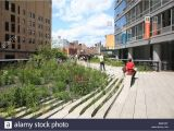 Public Park In Manhattan Built In An Old Railway Public Park Manhattan Zipin Me